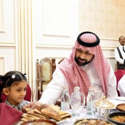 """""""مجموعة الحناوي"""" تقيم الافطار الجماعي لإعلاميين منطقة جازان"""
