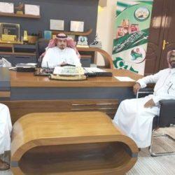 محافظ أبوعريش يستقبل المدير التنفيذي للحملة الصيفية ومحو الأمية ويستعرض أهدافها