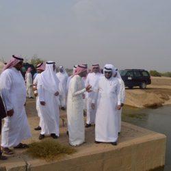 """شاهد.. """"المشيطي"""" يتفقد مشاريع وزارة البيئة في جازان"""