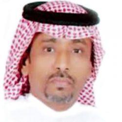 نائب أمير جازان ينقل تعازي القيادة لوالد وذوي الشهيد العريف محمد آل بن سله