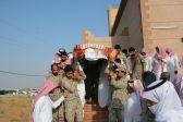 وكيل إمارة جازان المكلف يتقدم المصلين على شهيد الواجب وكيل رقيب أحمد غازي