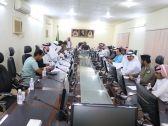 الإجتماع  الأول   لمحافظة  الطوال  ولجنة  التنمية  بقادة ورؤساء  ومدراء الدوائر الحكومية بالمحافظة  لاختيار الموظف المتميز في  الدوائر الحكومية