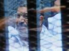 """وقف محاكمة مرسي بقضية """"الهروب"""" لحين الفصل في """"رد المحكمة"""""""